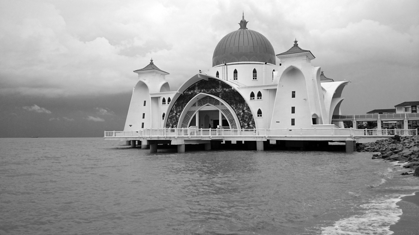Mosque by the Sea